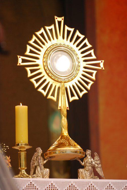 eucharist-2435932_1920